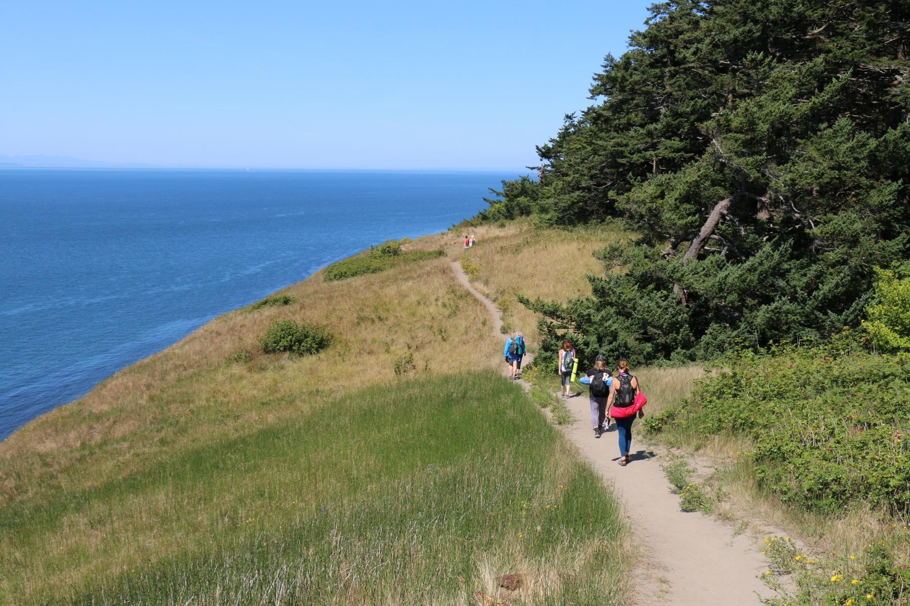 a-hiking-more